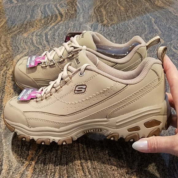 Skechers scarpe   Dlites Dlites Dlites Size 6 Color Tan Brand New Wtags   Poshmark 078d7c